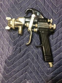 "BINKS- Model 18 Paint spray gun ""NOS"""